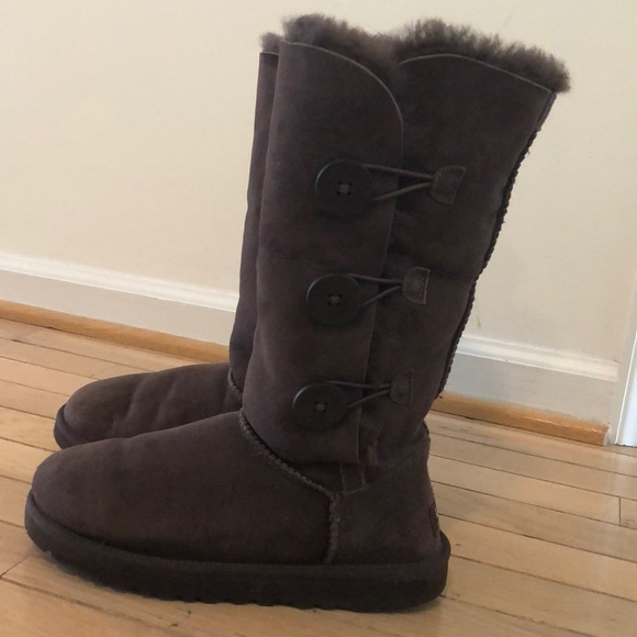 7949fcd0781 Brown Button Up Uggs